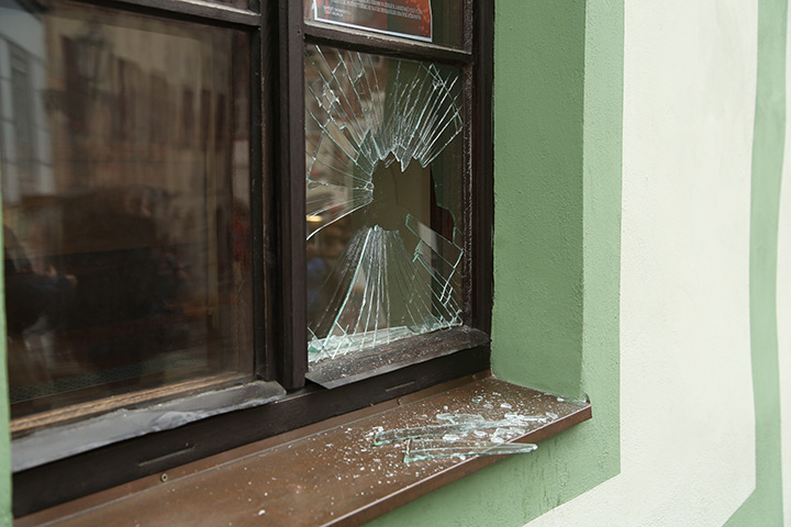 A2B Glass are able to board up broken windows while they are being repaired in East Dulwich.